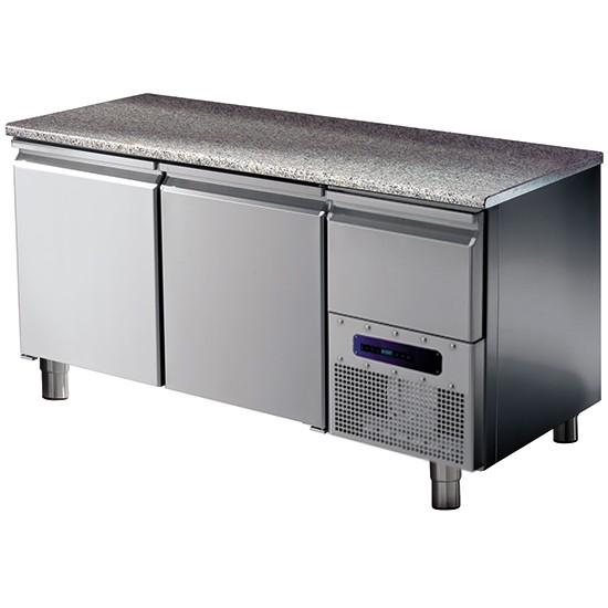 Refrigerated pastry table with granite working top